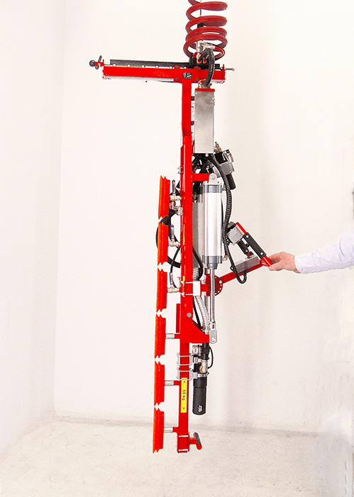 The gas tank gripper has six vacuum cups that grips the load